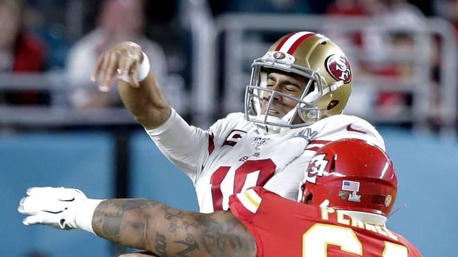Die San Francisco 49ers um Quarterback Jimmy Garoppolo (m.) müssen umziehen