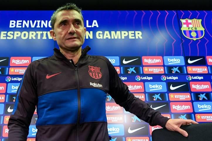 Seltenes Ereignis beim FC Barcelona! Erstmals seit 2003 hat der spanische Top-Klub wieder einen Trainer vorzeitig entlassen. Diesmal musste Ernesto Valverde dran glauben. Nach 926 Tagen im Amt und 145 Spielen an der Seitenlinie wurde er am 13. Januar 2020 gefeuert. Sein Nachfolger steht mit Quique Setién schon fest