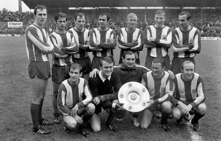 Es ist längst zur Gewohnheit geworden, doch vor 50 Jahren war es noch eine echte Überraschung: Am 7. Juni 1969 triumphierte der FC Bayern zum allerersten Mal in der Bundesliga. SPORT1 blickt auf die historischen Momente und prägenden Personen der ersten bayerischen Meistersaison in der Bundesliga zurück