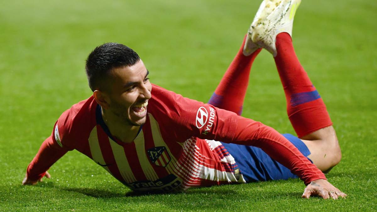 Atletico Madrid's Argentinian forward Angel Correa celebrates his goal during the Spanish league football match between Club Atletico de Madrid and Valencia CF at the Wanda Metropolitano stadium in Madrid on April 24, 2019. (Photo by GABRIEL BOUYS / AFP)        (Photo credit should read GABRIEL BOUYS/AFP/Getty Images)