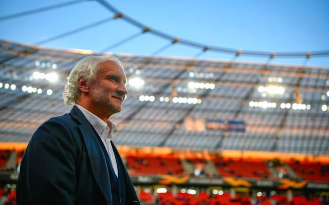 Rudi Völler von Bayer Leverkusen bestreitet die Vorwürfe eines Scheinangebots für Fabianski
