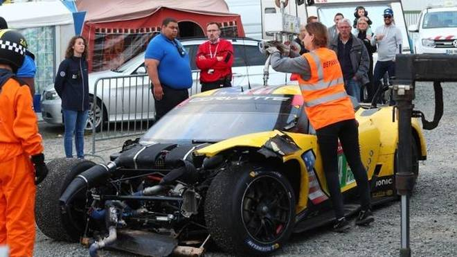 Marcel Fässlers Corvette C7.R nahm bei dem Unfall heftigen Schaden