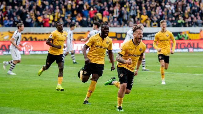 Dynamo Dresden feiert Tor Nummer eins durch Patrick Ebert