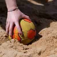 Wegen fehlender Bikinis: Strafe für Beachhandballerinnen?