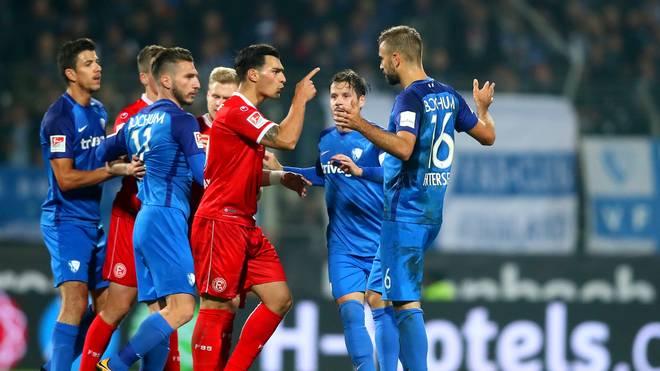Lukas Hinterseer (r.) vom VfL Bochum sah die Gelb-Rote Karte