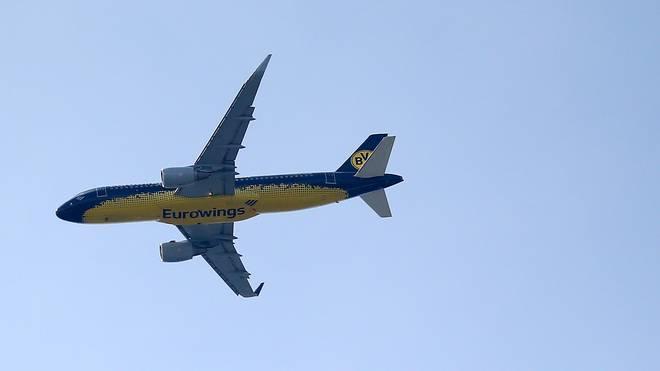 Borussia Dortmund fliegt normalerweise in einem schwarz-gelben Flugzeug