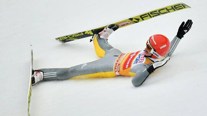 Richard Freitag stürzte beim 3. Springen der Vierschanzentournee in Innsbruck