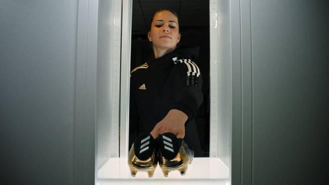 Melanie Leupolz präsentiert die Copa-Reihe von Adidas