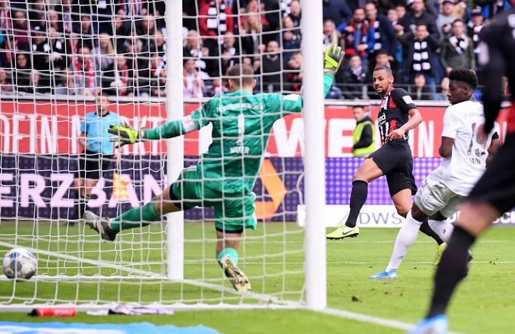 Selten hat man den FC Bayern so hilflos gesehen wie aktuell. Doch holte der Rekordmeister in den vergangenen Spielen zumindest noch glücklich die Punkte, so kam er am 10. Bundesliga-Spieltag unter die Räder