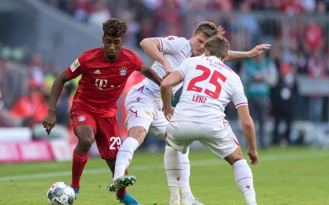 Der FC Bayern um Kingsley Coman, hier gegen Unions Marius Bülter und Christopher Lenz ist auch bei Social Media das Maß aller Dinge