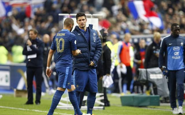 Ein Bild aus vergangenen Tagen: Oliver Giroud (hinten) und Karim Benzema bei der Nationalmannschaft 2013