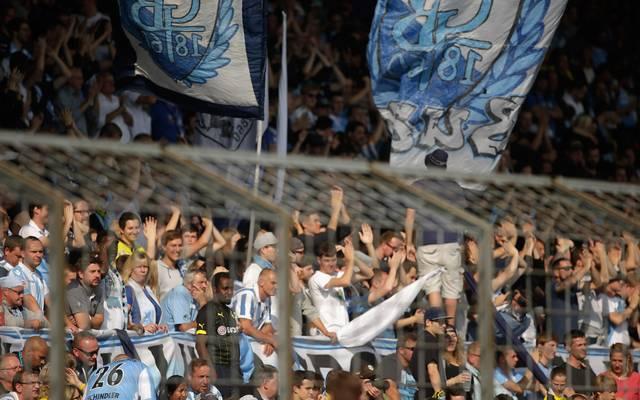 Die Fans von 1860 München durften erst mit Verspätung ins Grünwalder Stadion