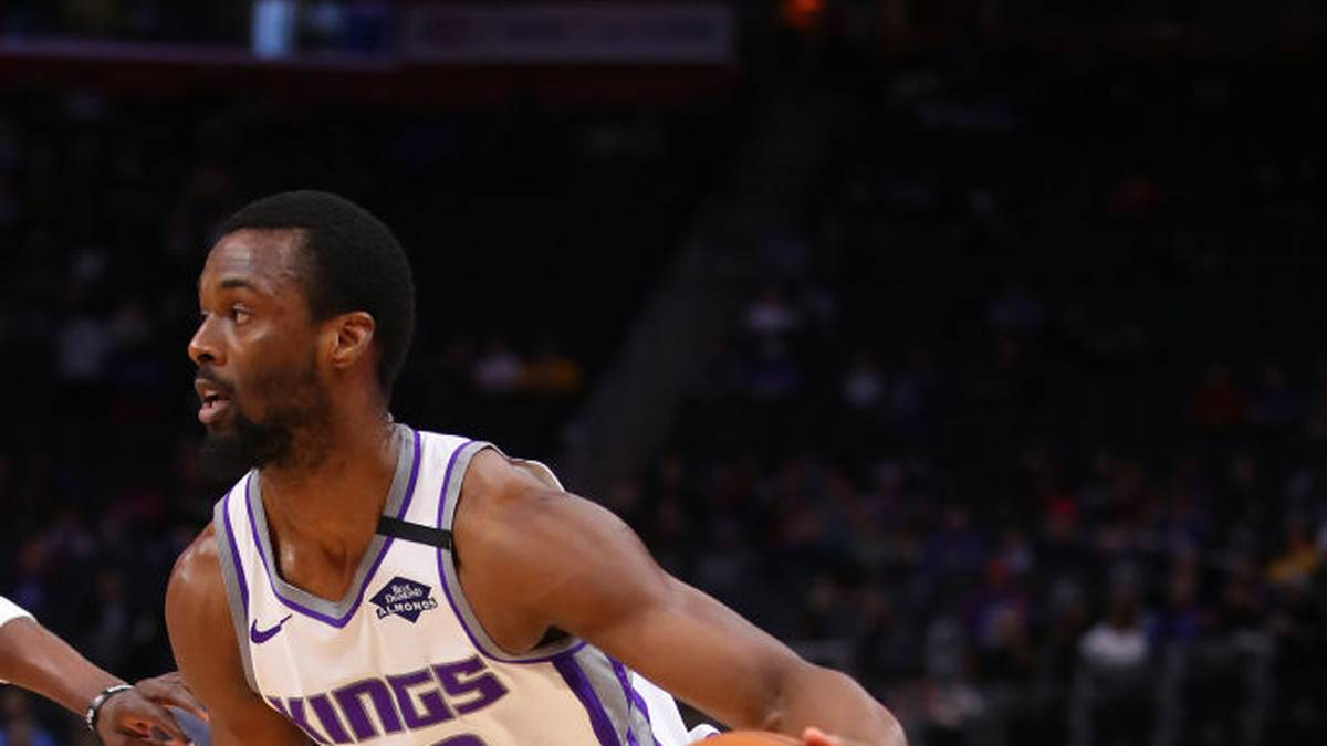 DETROIT, MICHIGAN - JANUARY 22: Harrison Barnes #40 of the Sacramento Kings plays against the Detroit Pistons at Little Caesars Arena on January 22, 2020 in Detroit, Michigan. NOTE TO USER: User expressly acknowledges and agrees that, by downloading and or using this photograph, User is consenting to the terms and conditions of the Getty Images License Agreement. (Photo by Gregory Shamus/Getty Images)