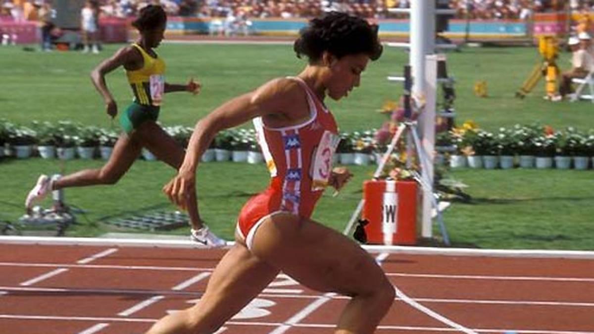 Die mittlerweile verstorbene Florence Griffith-Joyner hält neben den 100 Metern auch über 200 Metern den Weltrekord