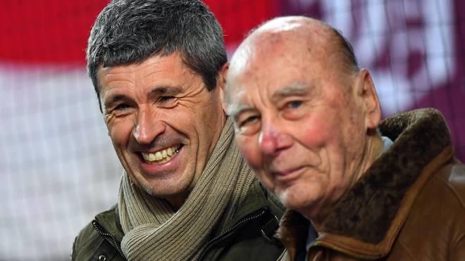 Der frühere Schiedsrichter Markus Merk (hinten, mit FCK-Ikone Horst Eckel) schürt neue Hoffnung beim 1. FC Kaiserslautern.