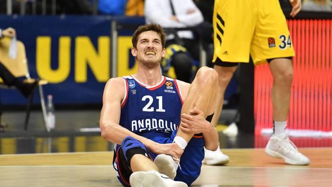 Tibor Pleiß hat Schmerzen - nach dem Finale ist ihm das aber egal