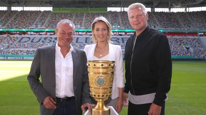 Markus Höhner, Laura Papendick und Stefan Effenberg (v.l.) begleiten die SPORT1-Liveberichterstattung vom DFB-Pokal
