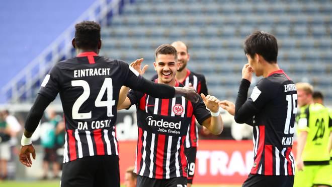 Eintracht Frankfurt besiegt den SC Paderborn mit einem knappen 3:2