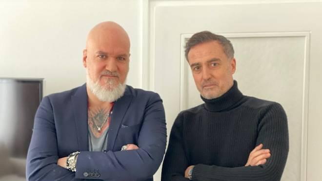 SPORT1-Reporter Reinhard Franke (l.) traf sich mit Türkgücü-Boss Hasan Kivran zum Interview