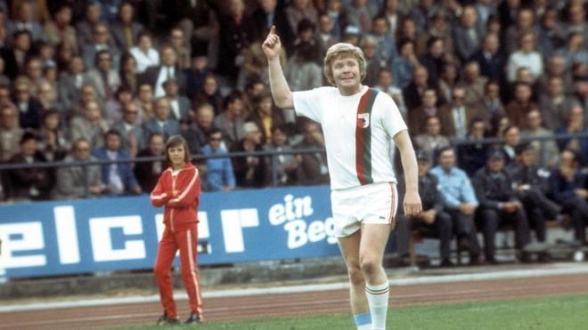 Helmut Haller im Jahr 1973 im Rosenaustadtion. Der FC Augsburg spielte gegen Darmstadt 98.