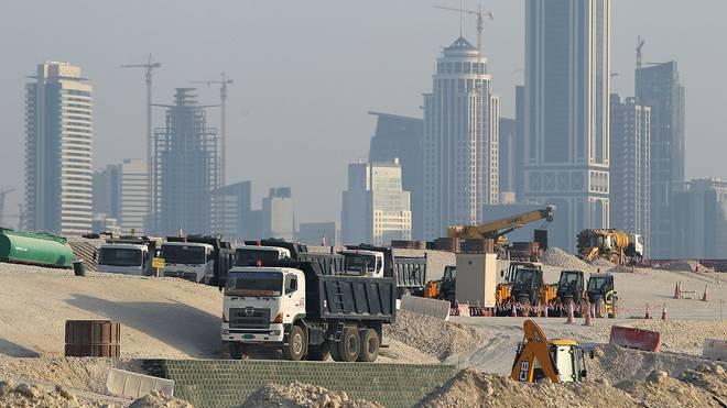 Fußball-WM 2022 in Katar: Amnesty International moniert Arbeitsbedingungen, In Katar laufen die Vorbereitungen für die WM 2022 weiter auf Hochtouren