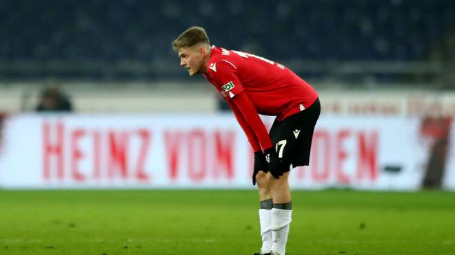 HANOVER, GERMANY - NOVEMBER 25: Marvin Ducksch of Hannover reacts after the Second Bundesliga match between Hannover 96 and SV Darmstadt 98 at HDI-Arena on November 25, 2019 in Hanover, Germany. (Photo by Martin Rose/Bongarts/Getty Images)