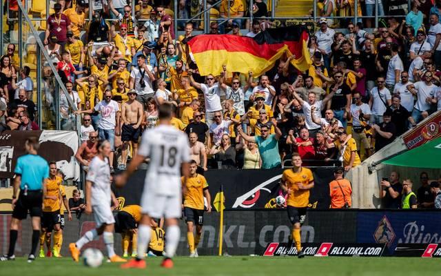 Beim Spiel zwischen Dresden und St. Pauli ist es zu einem unschönen Vorfall gekommen