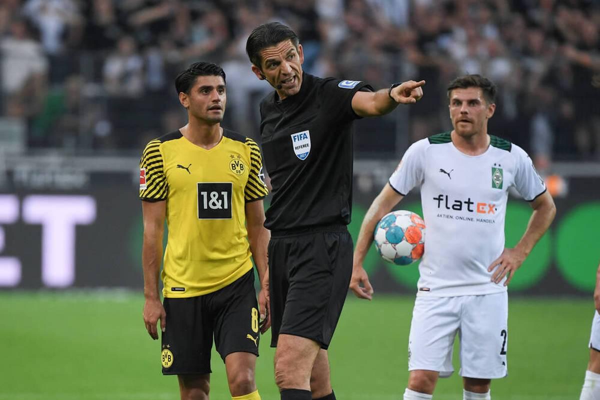 Mahmoud Dahoud sieht im Bundesliga-Topspiel zwischen Gladbach und dem BVB (1:0) Gelb-Rot. Schiedsrichter Deniz Aytekin führt als Begründung Dahouds Gestik an. Zu hart?