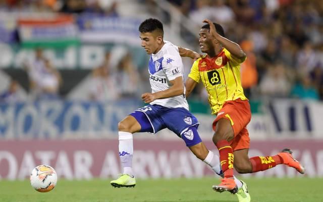 Thiago Almada (l.) soll bei Manchester United auf dem Zettel stehen