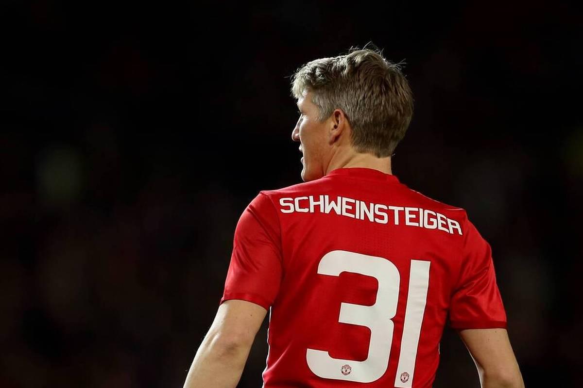 Das Gastspiel von Bastian Schweinsteiger bei Manchester United verlief vielversprechend, ehe ihn José Mourinho aussortierte. Nun äußert sich der Ex-Nationalspieler zu seinem Aus bei den Red Devils.
