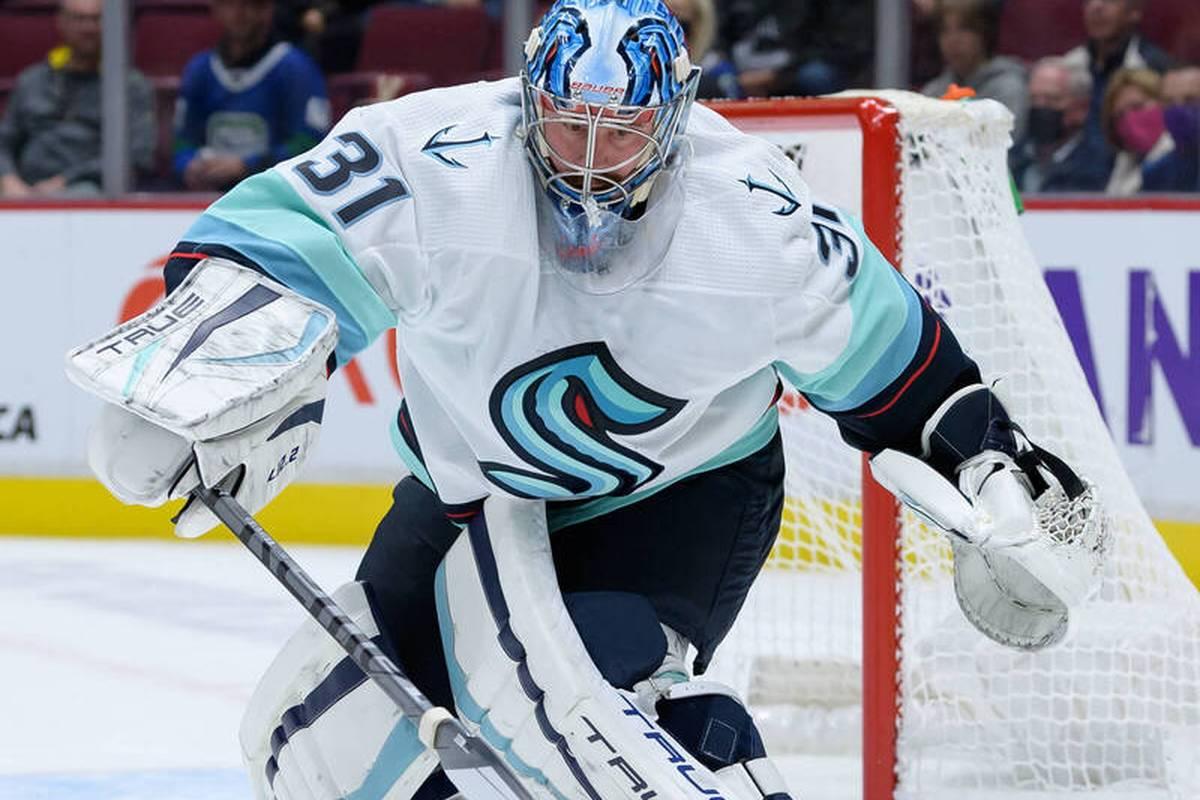 Die Seattle Kraken mit Philipp Grubauer im Tor haben ihr erstes Heimspiel in der nordamerikanischen Profiliga NHL gewonnen.