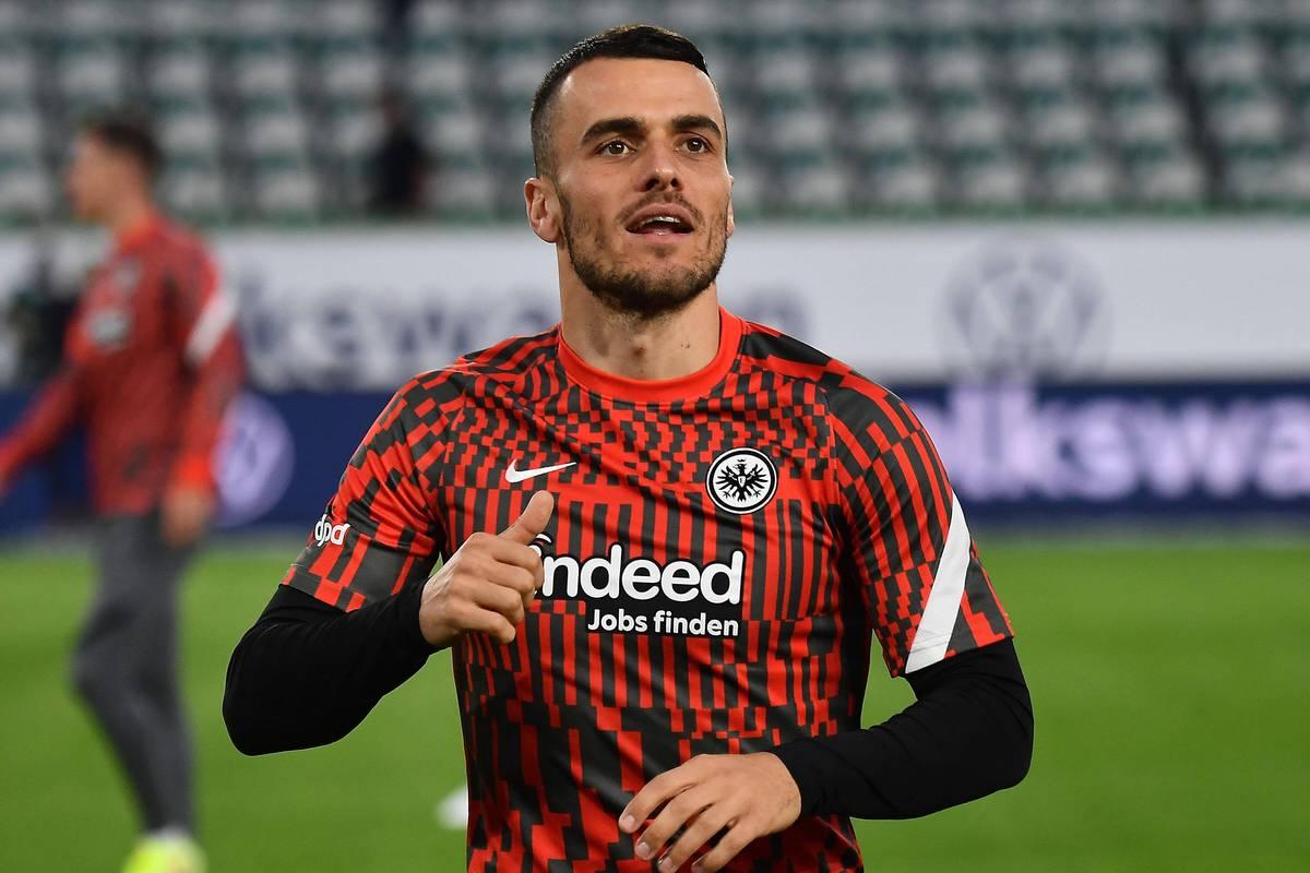 Nach seinem geplatzten Wechsel im Sommer wechselt Filip Kostic seinen Berater. Neue Berichte enthüllen jetzt, wie der Flügelspieler von Eintracht Frankfurt zu dieser Entscheidung kommt.