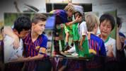 FC Barcelona: U13 lebt das Motto von La Masia und tröstet den Gegner