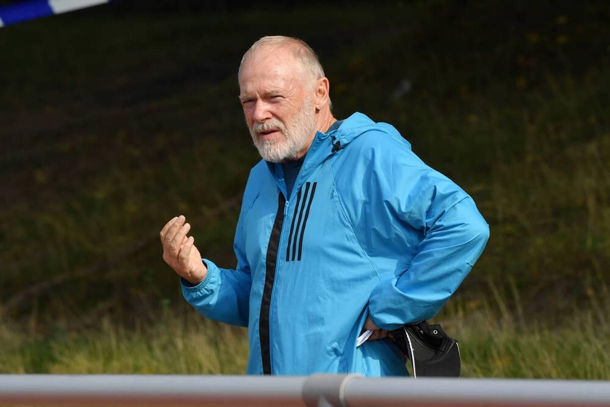 Hermann Gerland kehrt als U21-Co-Trainer an die Seitenlinie zurück. Ansgar Brinkmann schwärmt von dem 67-Jährigen und lobt ihn in den höchsten Tönen.