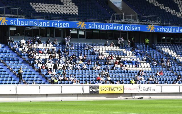 Knapp über zweihundert Zuschauer verfolgten im Stadion in Duisburg den Start in die neue Frauenbundesligasaison