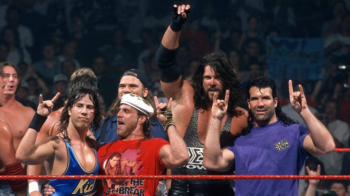 """Sean Waltman, Shawn Michaels, Kevin Nash, Scott Hall (v.l.) und Triple H (nicht im Bild) bildeten bei WWE die """"Kliq"""""""