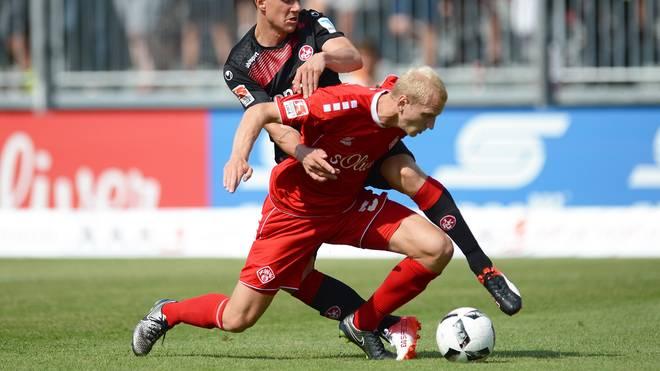 FC Wuerzburger Kickers v 1. FC Kaiserslautern - Second Bundesliga