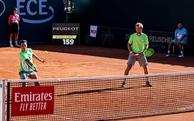 Die French-Open-Sieger Kevin Krawietz/Andreas Mies haben beim Tennis-Turnier am Hamburger Rothenbaum souverän ihre Auftakthürde genommen