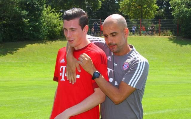 Pierre-Emile Hojbjerg (l.) und Pep Guardiola arbeiteten beim FC Bayern zusammen