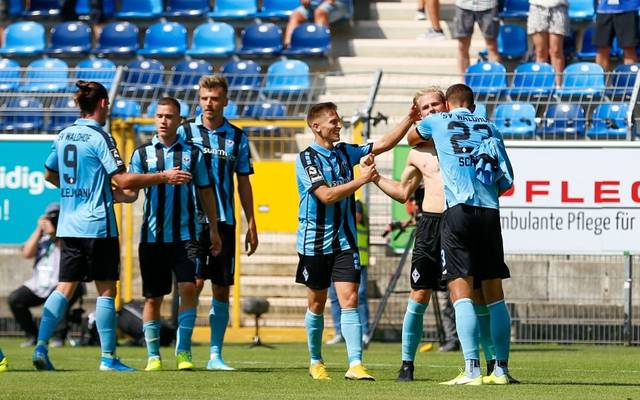 MANNHEIM, GERMANY - AUGUST 25: Marcel Seegert of Waldhof Mannheim celebrate his goal with Michael Schultz of Waldhof Mannheim and Florian Flick of Waldhof Mannheim during the 3. Liga match between SV Waldhof Mannheim and MSV Duisburg at Carl-Benz-Stadium on August 25, 2019 in Mannheim, Germany. (Photo by Jörg Halisch/Bongarts/Getty Images)