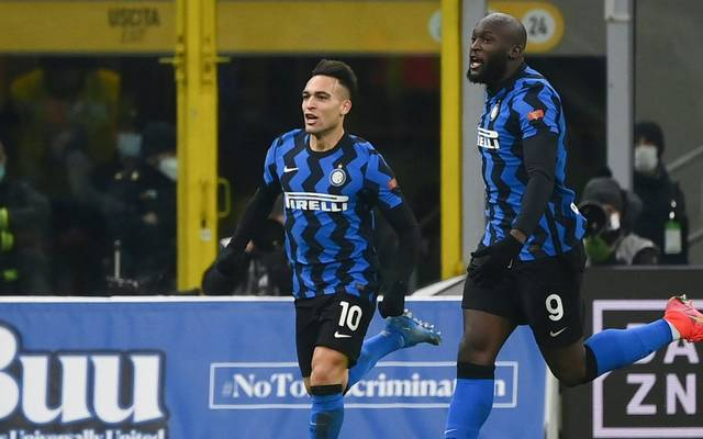 Romelu Lukaku (r.) traf doppelt für Inter