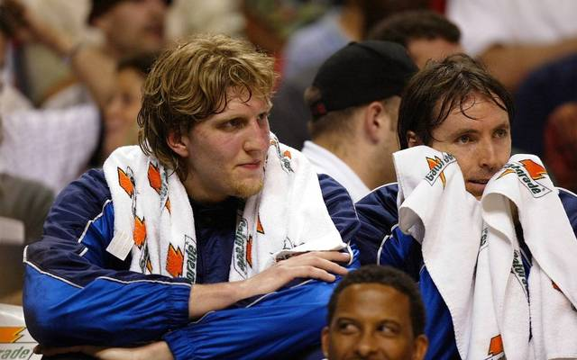 Dirk Nowitzki (l.) und Steve Nash waren Teamkollegen bei den Dallas Mavericks