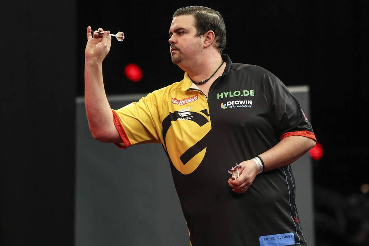Im Oktober steigt in Salzburg die Darts-Europameisterschaft und gleich zwei Deutsche sind dabei. Auch beim World Grand Prix ist Schwarz-Rot-Gold vertreten.