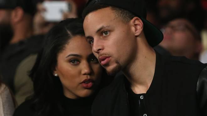 Ayesha Curry (l.) kritisierte nach LeBron James auch die Schiedsrichter