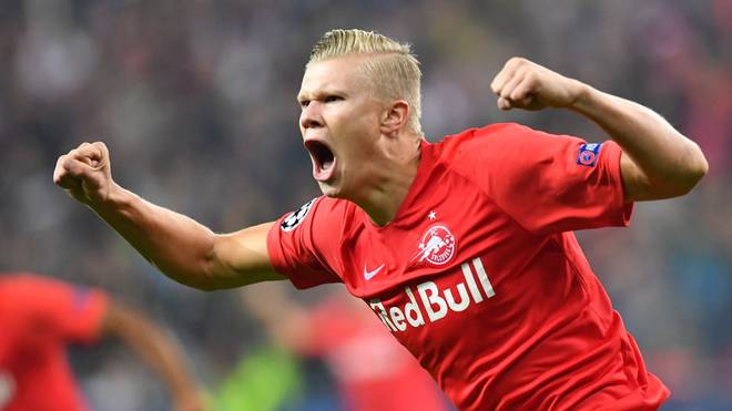 Salzburg's Norwegian forward Erling Braut Haland celebrates after scoring 1-0  during the UEFA Champions League Group E football match Salzburg v Genk in Salzburg, Austria, on September 17, 2019. (Photo by JOE KLAMAR / AFP)        (Photo credit should read JOE KLAMAR/AFP/Getty Images)