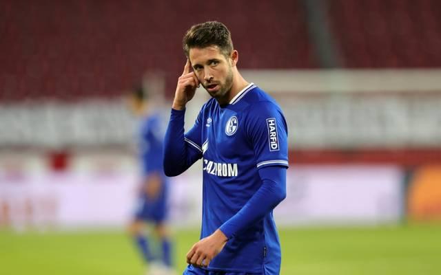 Mark Uth vom FC Schalke 04 darf nach seiner Gehirnerschütterung nach Hause