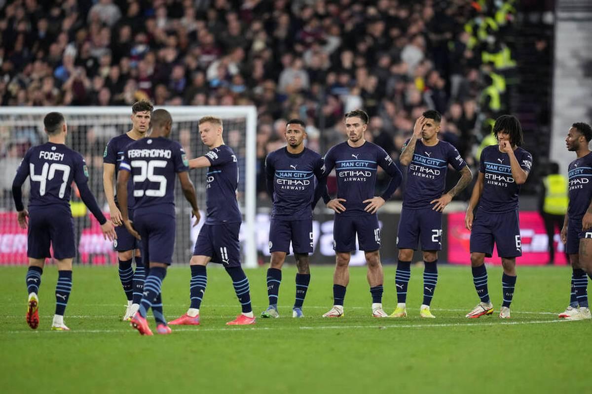Titelverteidiger Manchester City hat das Viertelfinale des englischen Ligapokals überraschend verpasst.