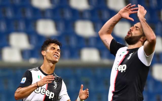 Bleibt Cristiano Ronaldo (l.) nach dem Aus in der Champions League bei Juventus?
