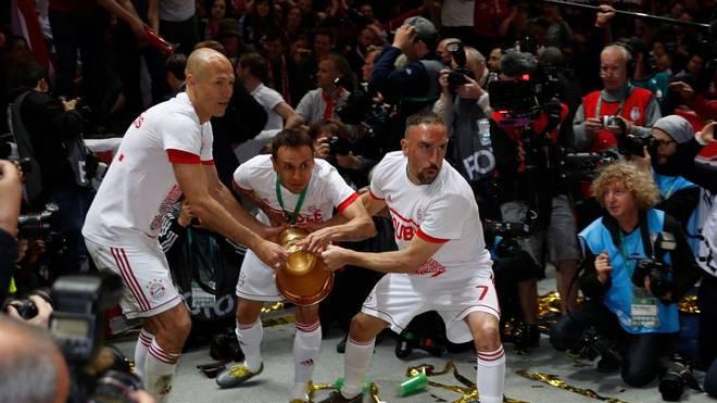 Rafinha (Mitte) kann sich eine Rückkehr nach München vorstellen