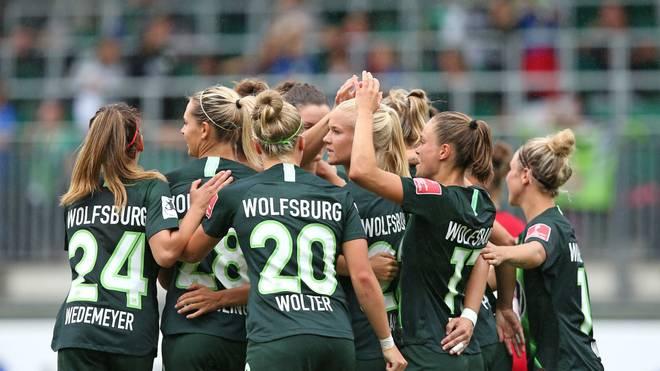 Die Frauen des VfL Wolfsburg stehen nach einem Kantersieg im Achtelfinale der Champions League